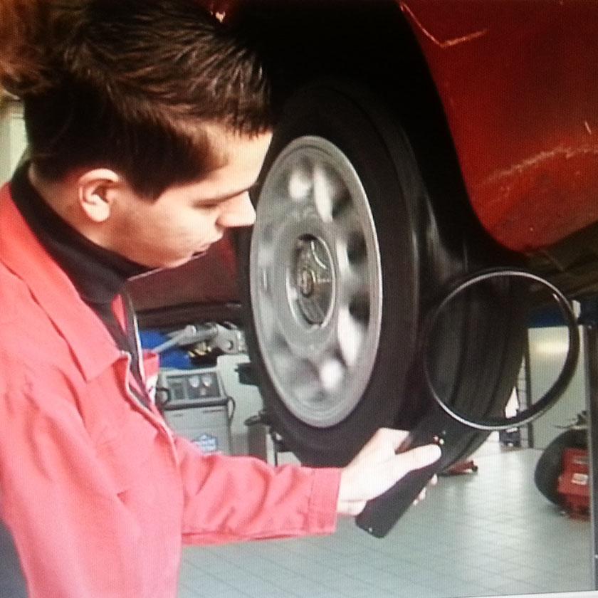Enkelt instrument for måling av magnetfeltet på et roterende hjul.