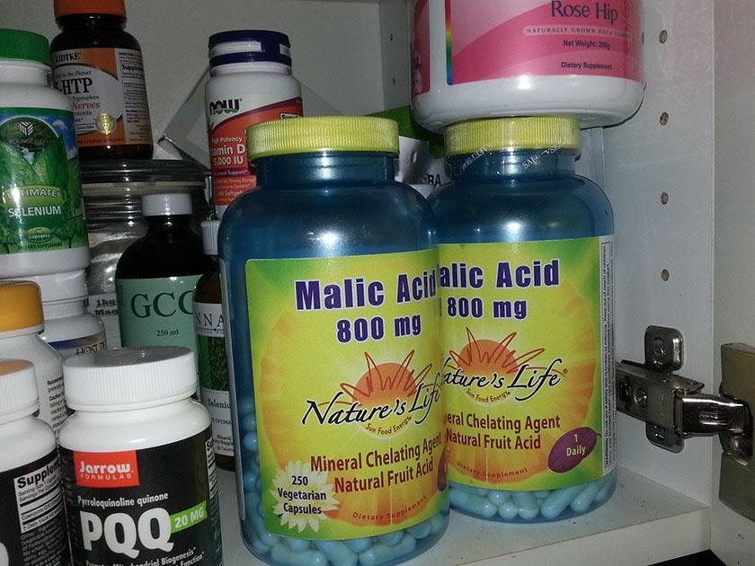 Malic acid gjør at store gallestein løses opp i små. Kan tas hver morgen. Malic acid tas spesielt i når man tar liver-gallbladder flush. Dette står det om andre steder på bloggen.