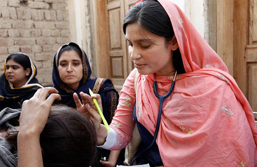 ytringsfrihet-og-islam-06-kvinnelig-lege-i-pakistani